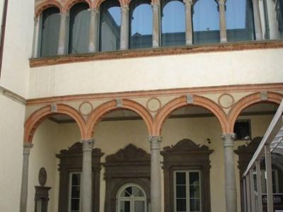 Sede Bernareggi - cortile interno del Palazzo