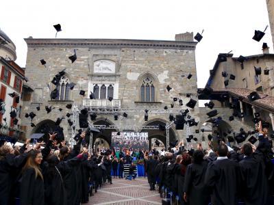 Graduation Day 2019: Lancio dei tocchi
