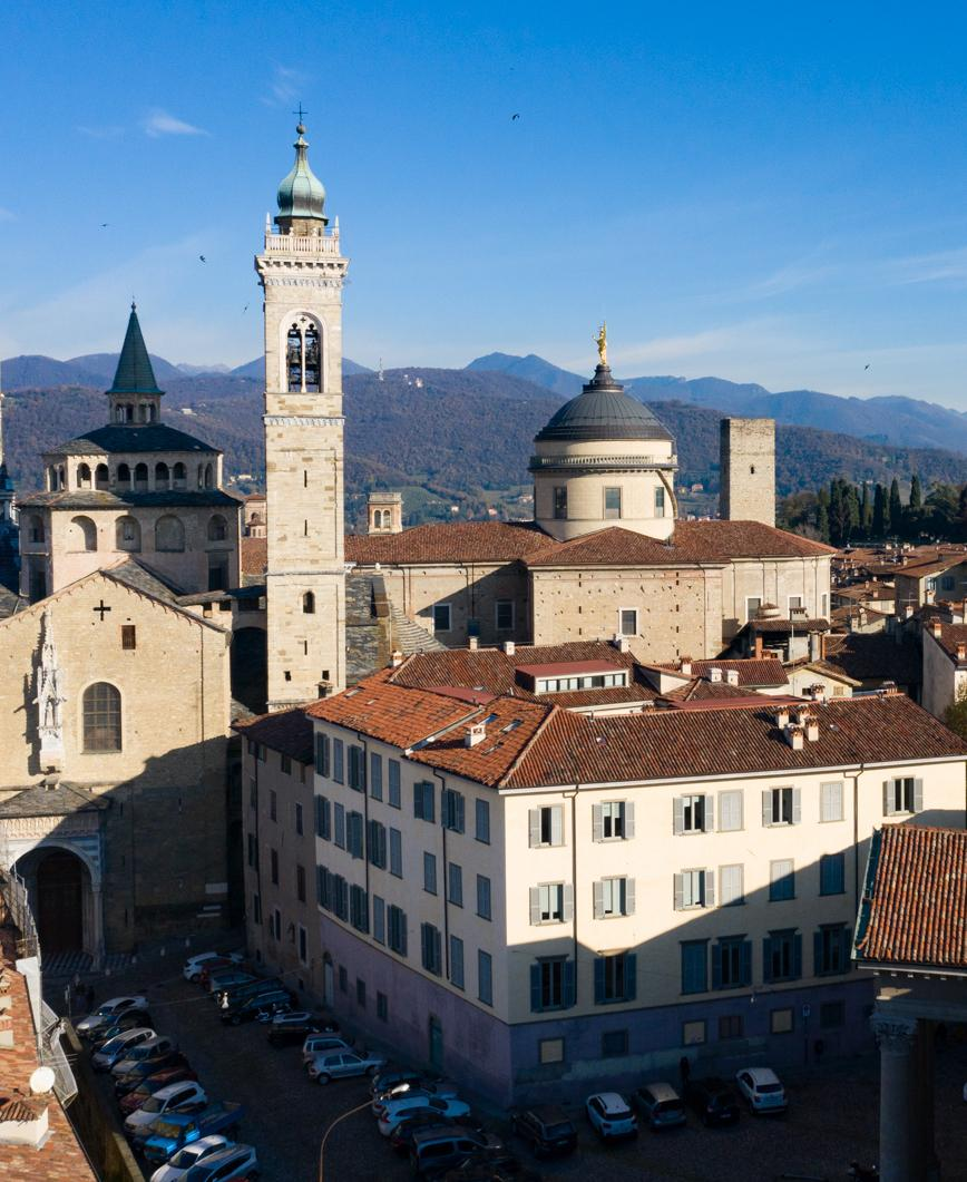 La sede di Rosate vista dall'altoVista panoramica di Piazza Rosate