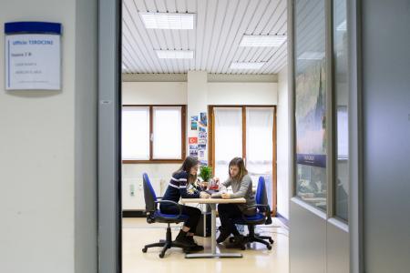 Studente a colloquio presso Ufficio tirocini
